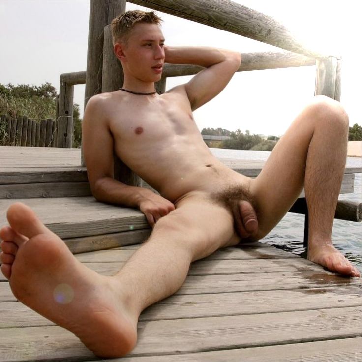 Nude male tranvestite twink
