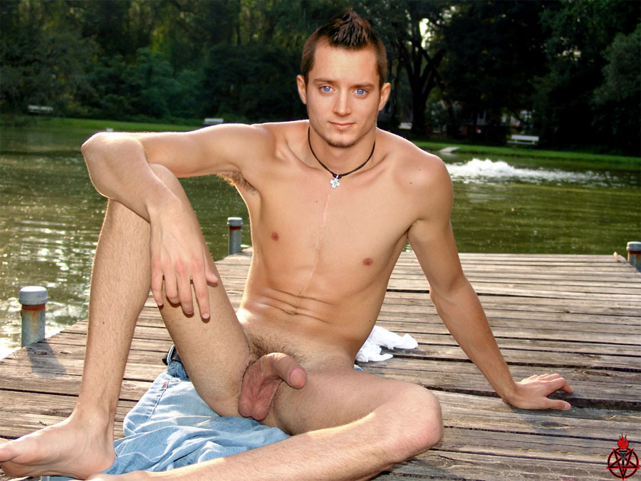 Was Elijah wood nude photos are