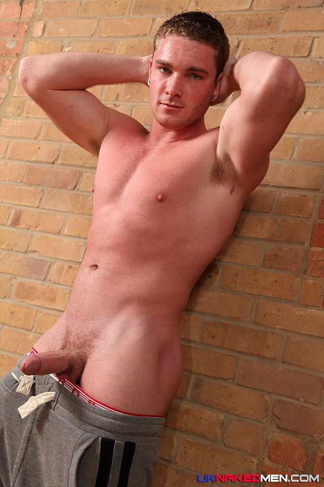 Uncut Men Naked 111