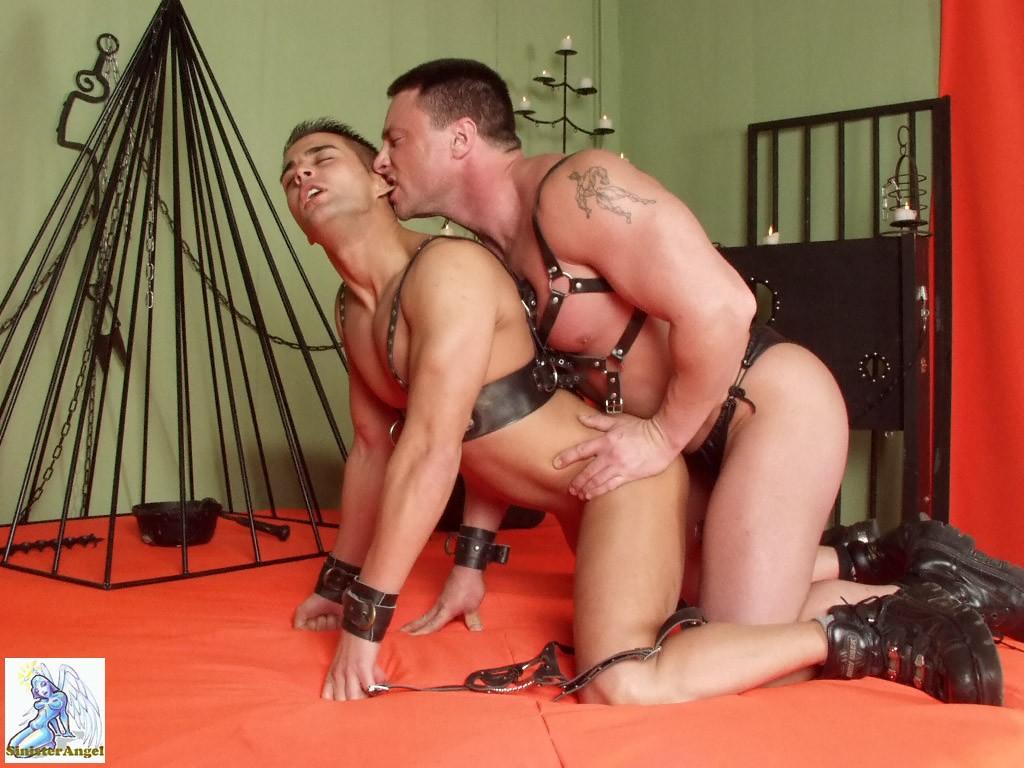 Порно пытка гей фото 655-5