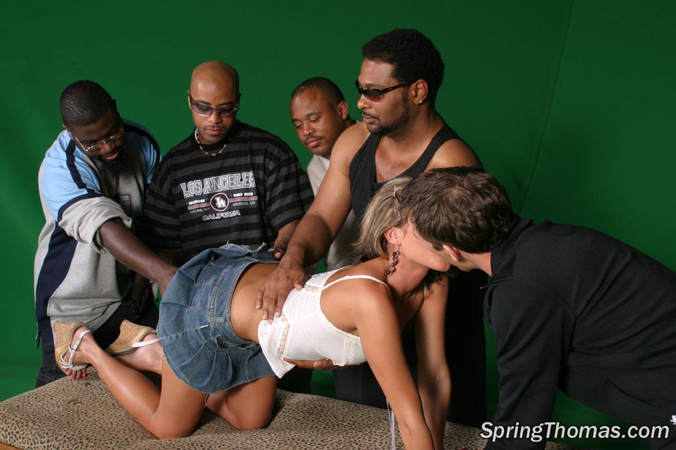 Пять мужиков затрахали смотреть онлайн 4 фотография