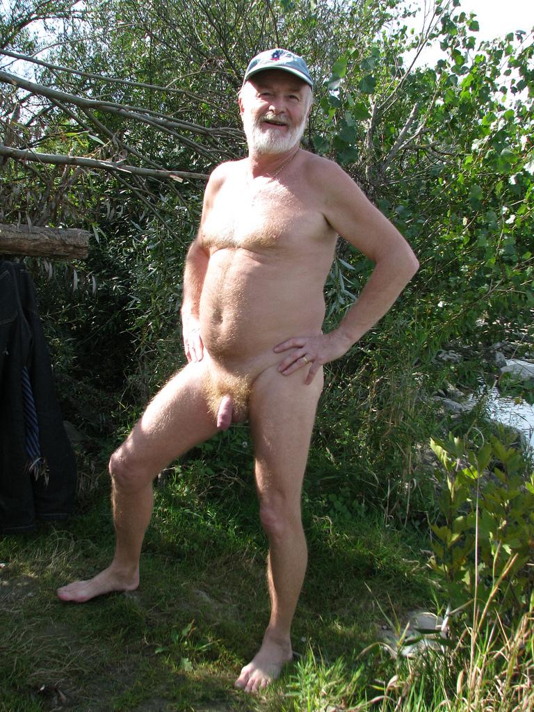 shaved mother daughter nudist