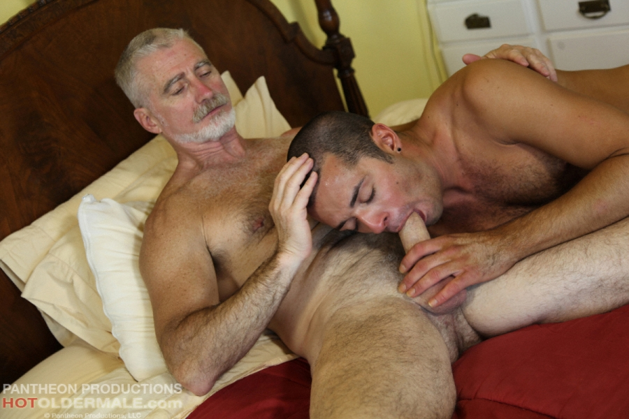 OLD GAY MEN HAVING SEX