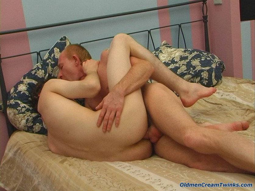 Daddy vs twink gay porn