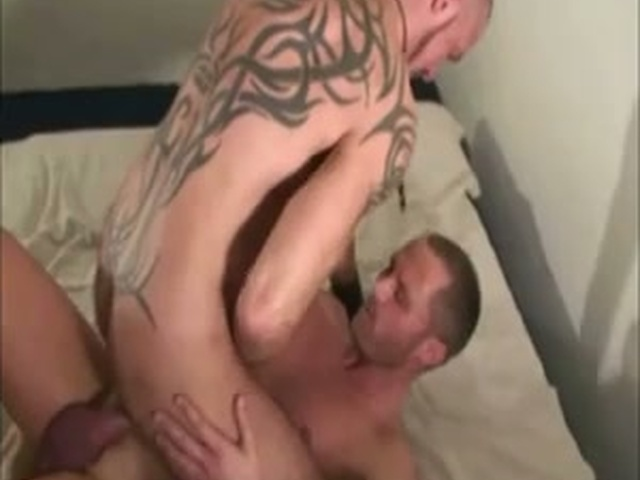 gay porn muscle bear muscle porn gay bear forums truck stop cover vid ded caebaeef