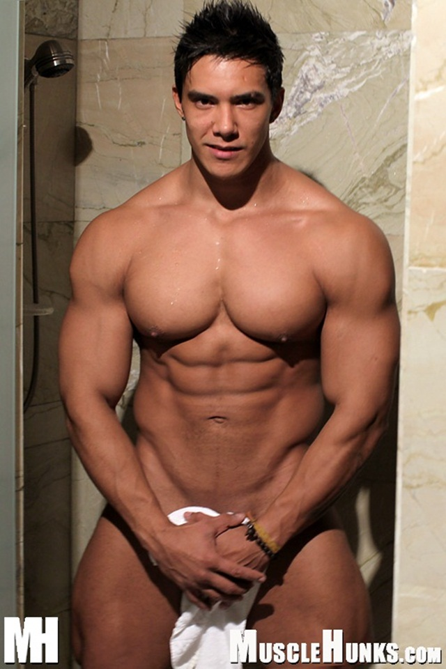 hot muscled hunk muscle naked hunks movie bodybuilder trent twitter torrents wade downlaod