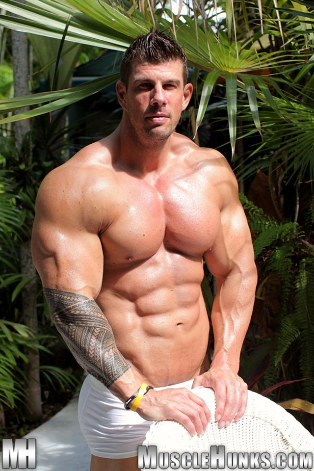 muscle hunks muscle ripped cock hard naked his photo hunks strokes bodybuilder strips zeb atlas