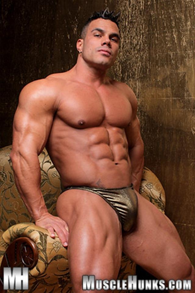 Nude muscle hunk amazing
