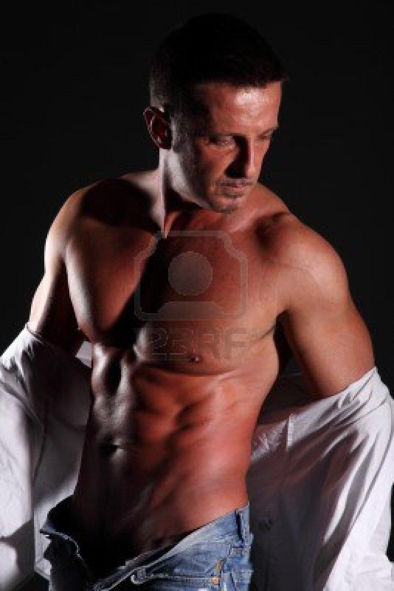 Nude Muscular Gay