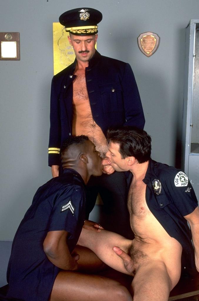 smotret-porno-uniforma-politsii