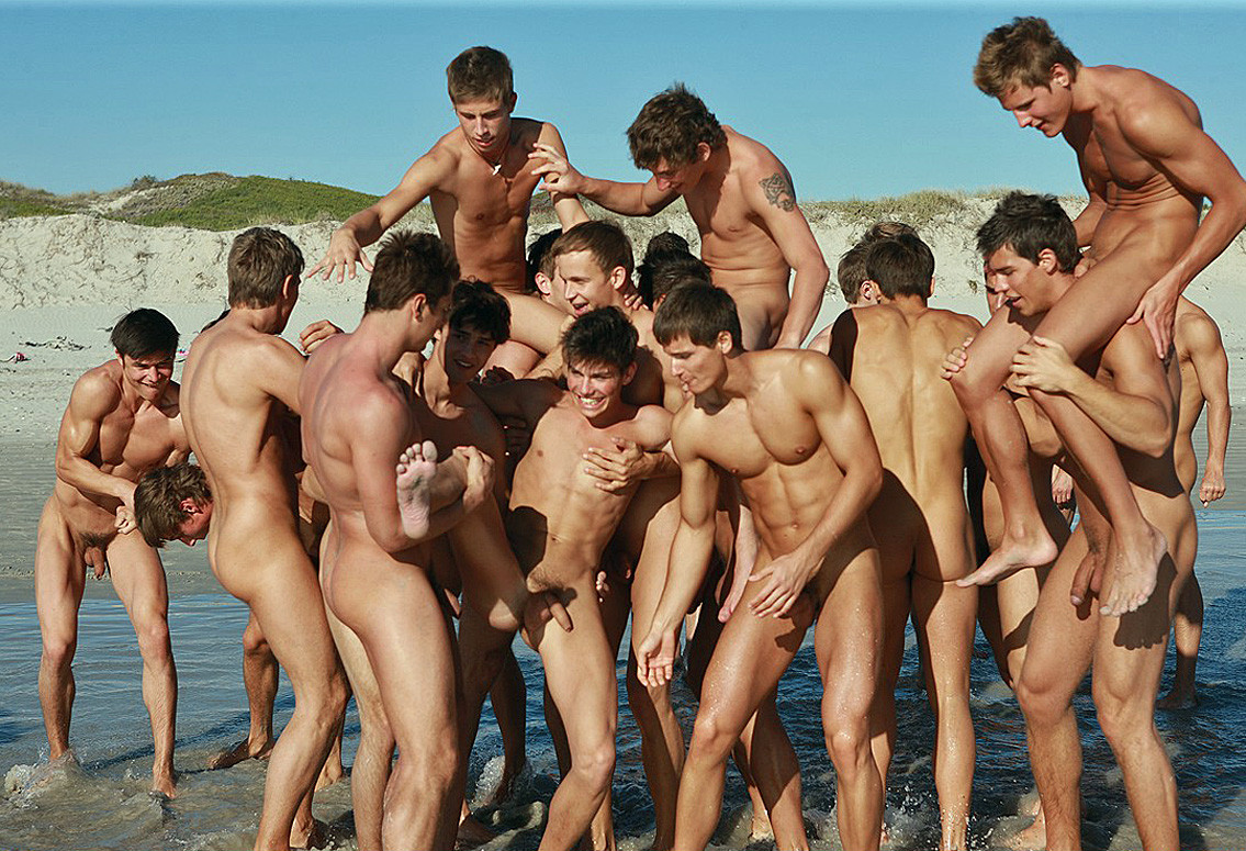 Nude Straight Men