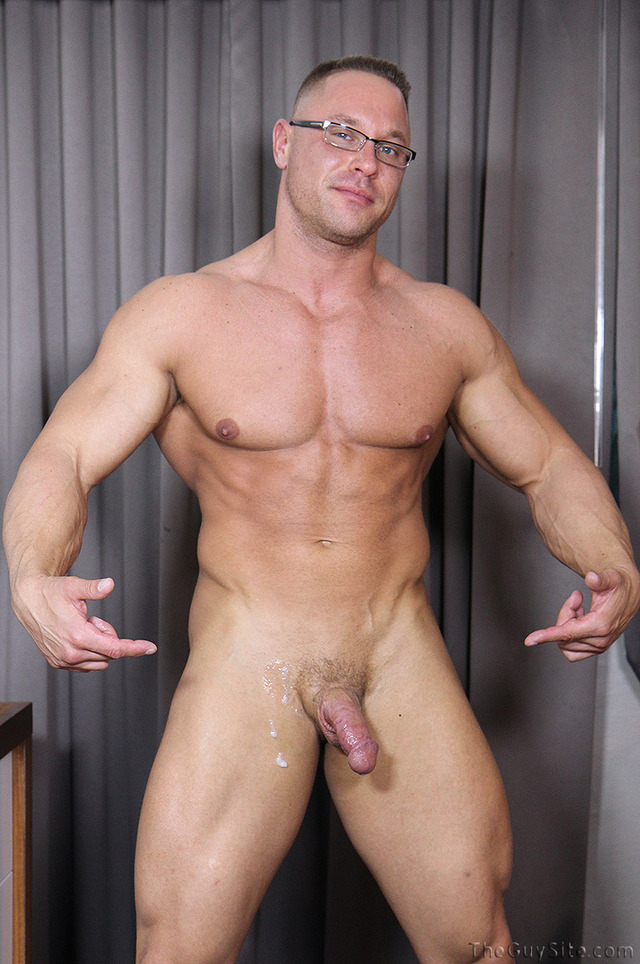 Muscle daddy gay porno