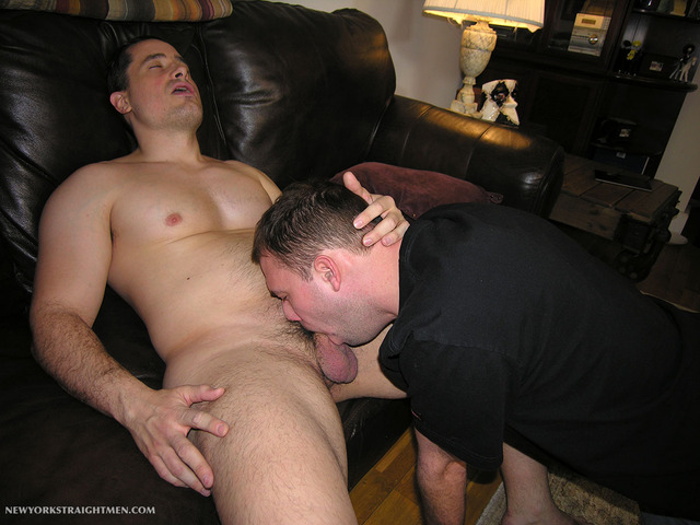 amateur straight guys gay porn muscle porn men cock gets his gay amateur straight guy sucking beefy york sucked trey anthony dude yorker