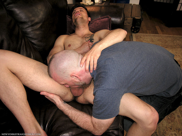 amateur straight guys gay porn porn men cock gets his gay fucking amateur straight guy york cocksucker sean face serviced married dimitri recently staight