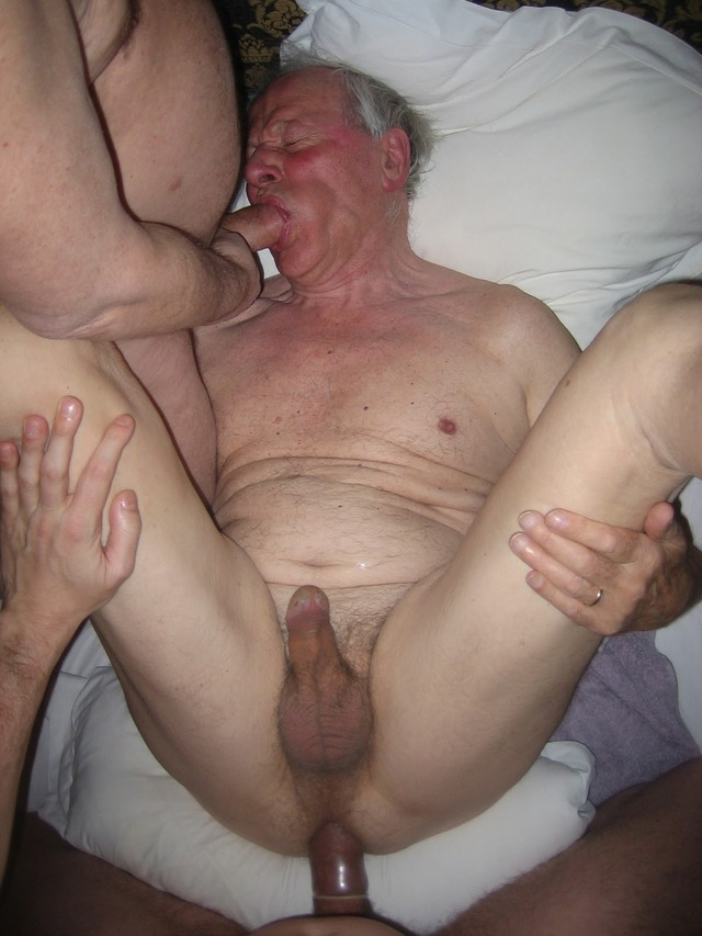 image 2 old whores analsex with 2 black cocks