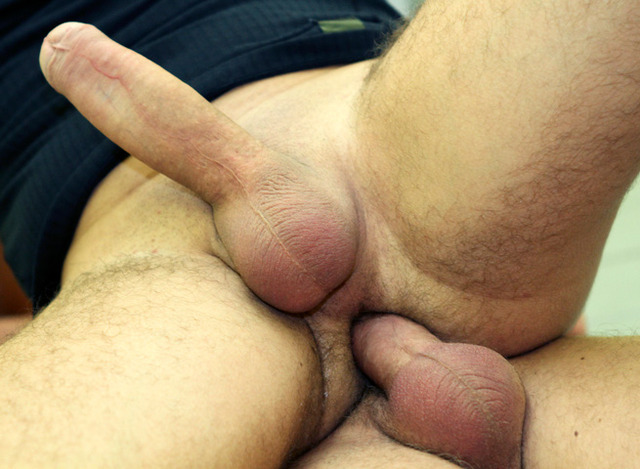 big daddy gay porn Pics muscle porn gay guys amateur real out room barebacking daddy public locker almost caught strangers