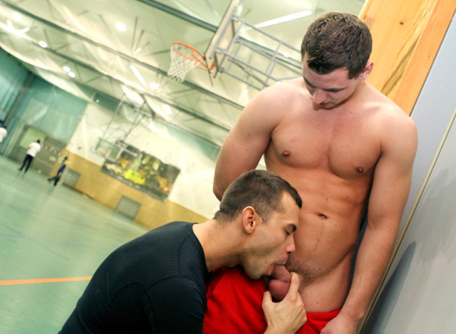 big gay daddy porn muscle porn gay guys amateur real out room barebacking daddy public locker almost caught strangers