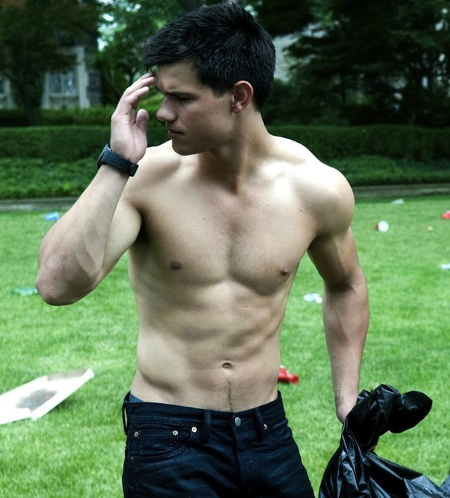 Taylor Lautner Gay Nude hunk category page day taylorlautner