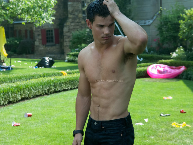 Taylor Lautner Gay Nude category shirtless taylor lautner