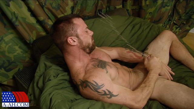 gay army porn off porn cock category gay all ass army jerking amateur guy american heroes sergeant miles fingering
