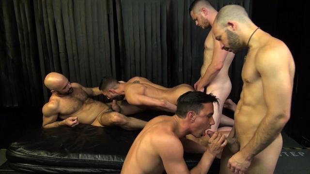 Порно гей клуб порно онлайн 72544 фотография