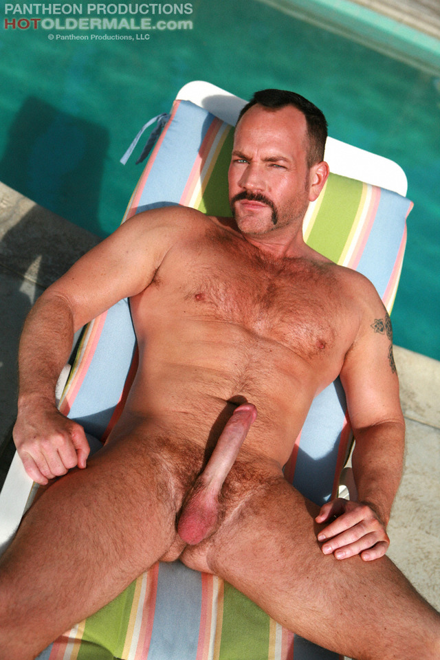 Gay Hung Mature Men