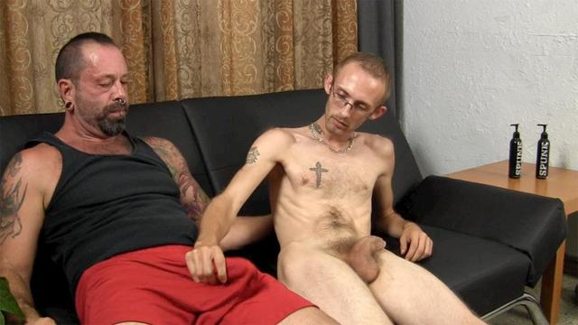 gay frat porn hairy muscle porn gets muscular gay bear amateur straight guy daddy fraternity barebacked older younger