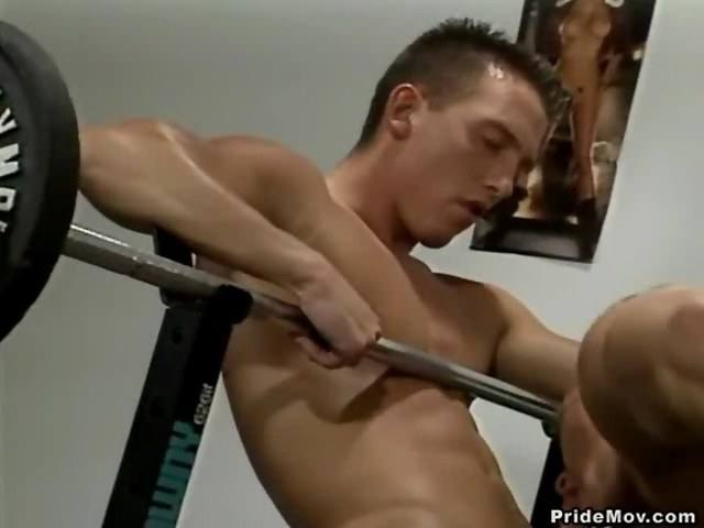 gay hunk sex Pics hunk sucks dick video videos hot gym lifting weights dnyi ivknz
