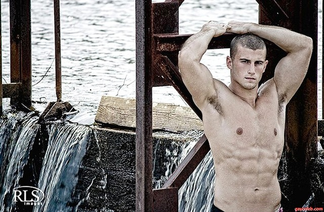 gay male nude celebrities muscle from pic shirtless nude austin free bodybuilder muscles woman sanderson