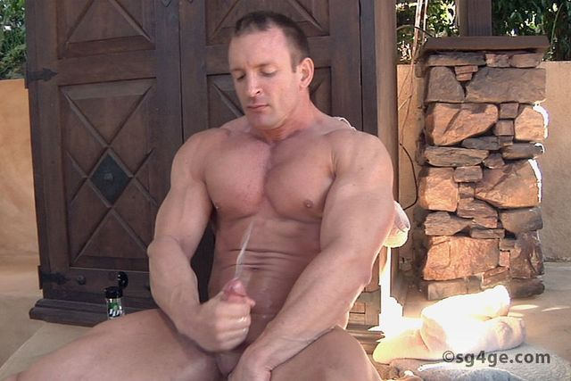 gay muscle bodybuilder muscle hunk off pic cock his gay guys ass straight hole fingers cummings bodybuilder eyes jacks