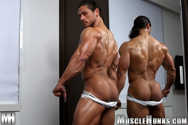 gay porn muscular porn gay media muscled