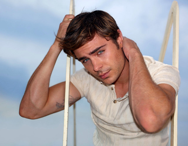 hot hunk muscle hunk people life real week efron hollywood