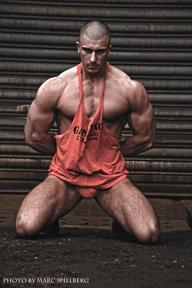 hot hunk muscle muscle hunk peter hot sexy burbujas deseo lindgren