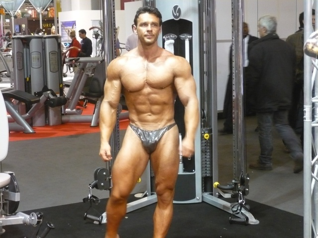 hot male body builders male sexy posing bodybuilders trunks competitive