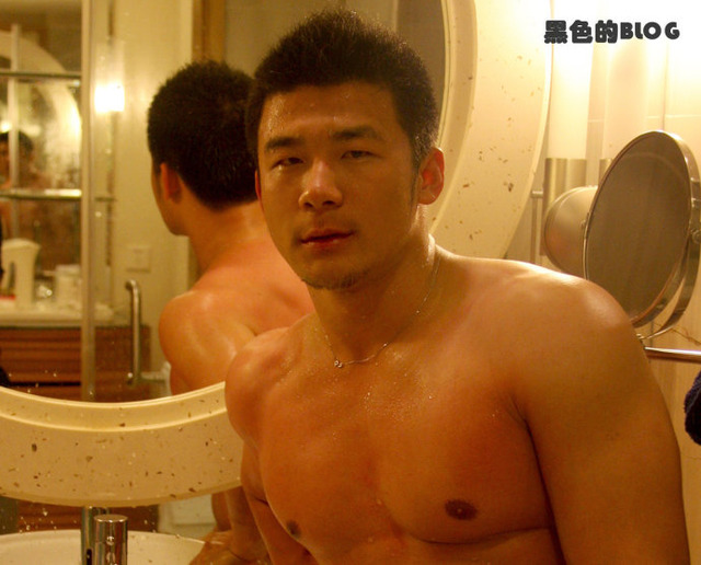 hot men in gay men gay picture guy mens room asian hot sexy bath handsome cool health yan zhenxing