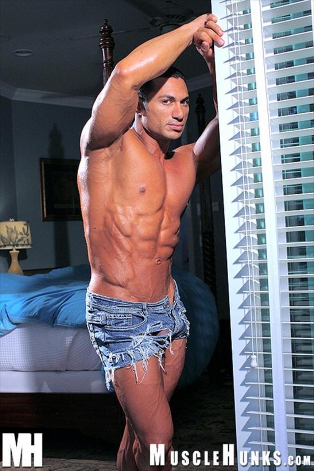 hung muscle hunks muscle media hunks hung