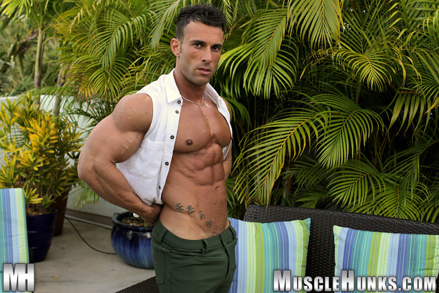 men hunk muscle muscle perfect man hunks every inch musclehunks gianluigi volti