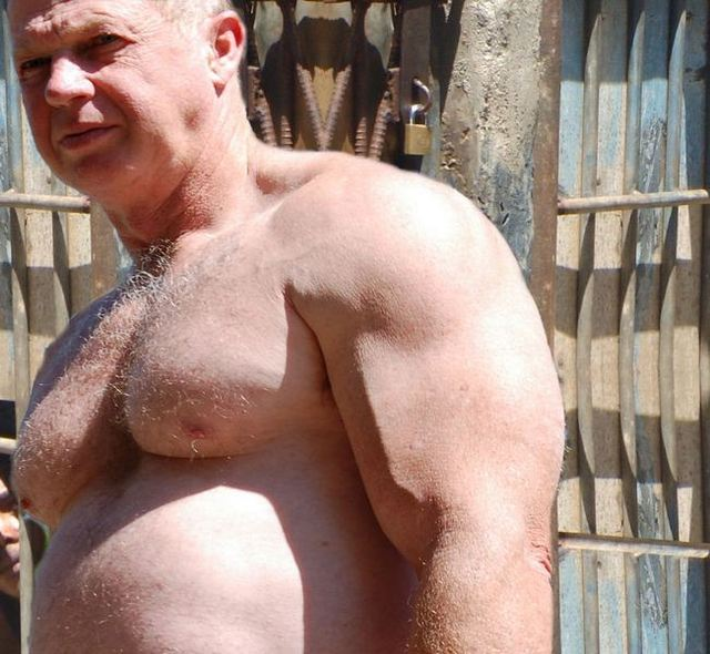 men hunk muscle hairy muscle men shirtless man boxer hot bondage hunky plog hairychest musclebears very furry daddies fuzzy studly manly old prisoner husky western irishman