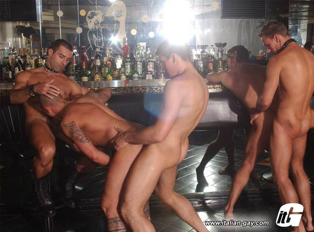 muscle gay sex muscle men gay nude bar club