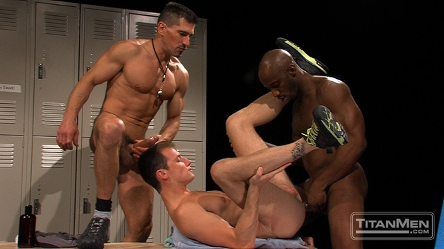 muscle huks muscle black gay media hunks