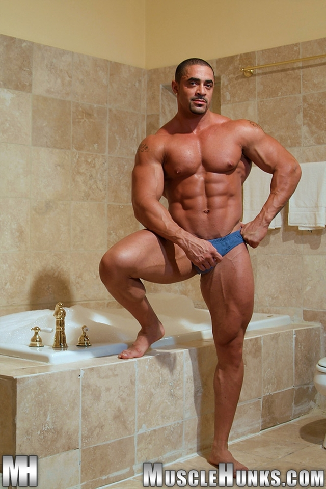 muscle hunk gay pic muscle hunk ripped gallery porn men video gay photo pics nude uncut cocks hunks tube muscled tattooed bodybuilders eddie camacho