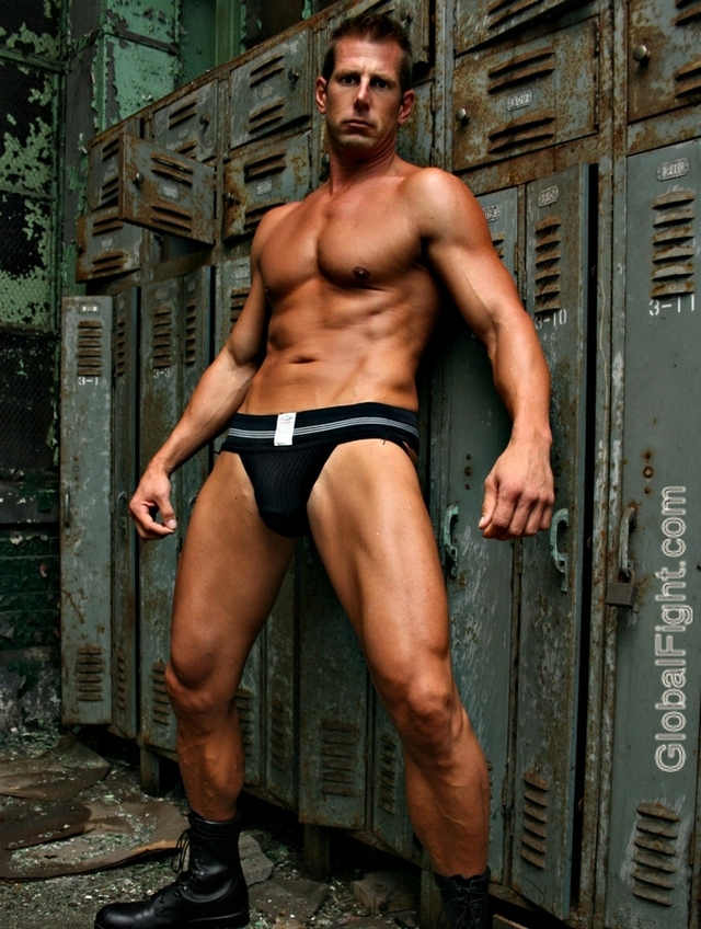 muscle hunk gay pic photo tribe upload photos gayleathermen