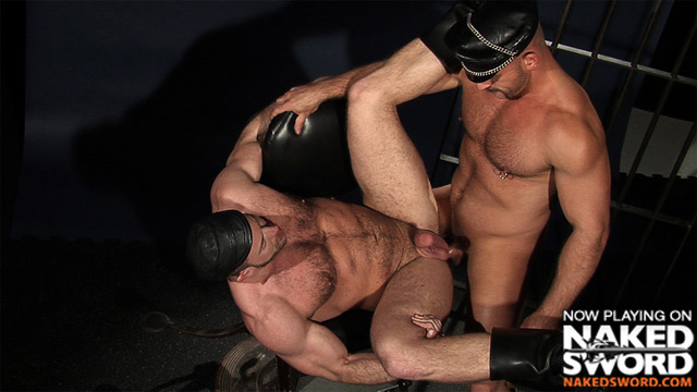 muscle man gay porn muscle men naked gay sword presents uniform