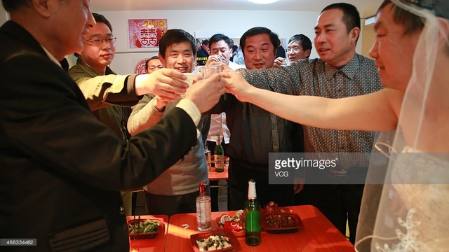 really old gay men pics men news photo photos picture their detail old wedding hold supporters ceremony pinggu