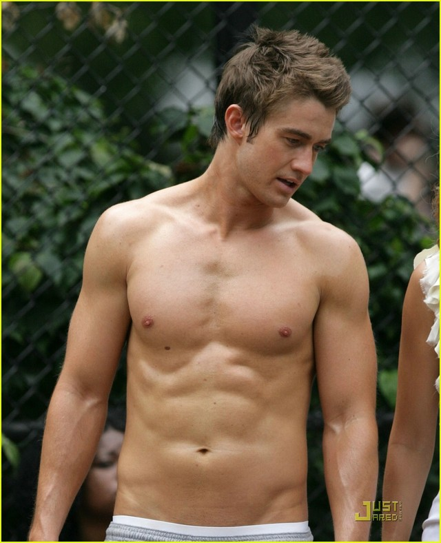sexy gay pic robert buckley