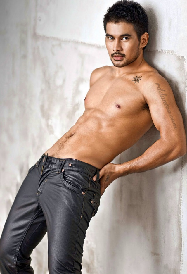 sexy pics of hot guys model picture shirtless asian actor hot sexy gorgeous pose filipino pinoy joem bascon