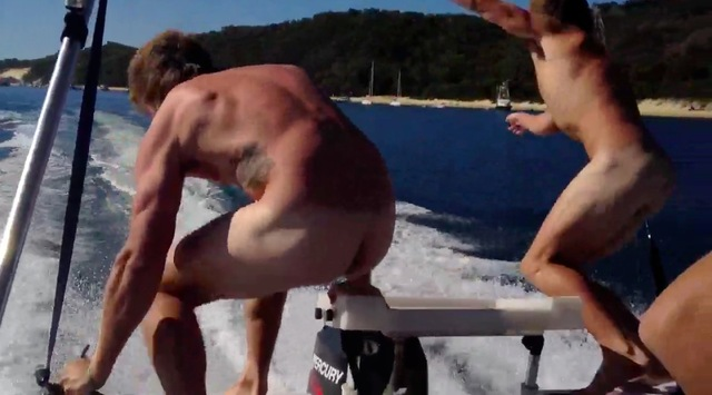 straight guys nude pic from nude boat jump aussies