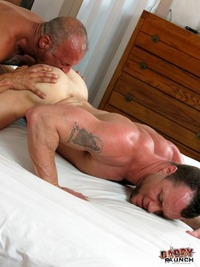 Muscled Gay Porn daddy raunch coach austin drew sumrok fucking muscle jock amateur gay porn hairy fucks younger bareback hard
