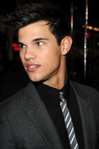 Taylor Lautner Gay Nude albums doorqpictures news another national nightmare ended today