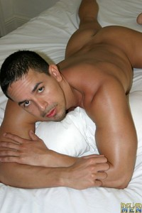 bi Latin men gallery finestlatinmen willy category finest latin men